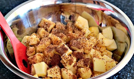готовим яблоки для начинки