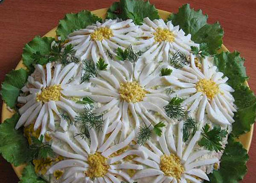 салат с грибами и ананасом - Ромашки