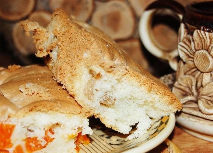 бисквитный пирог с яблоком и тыквой готов
