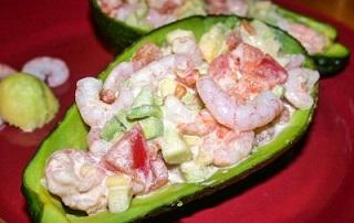 рецепт оригинального салата из авокадо с креветками
