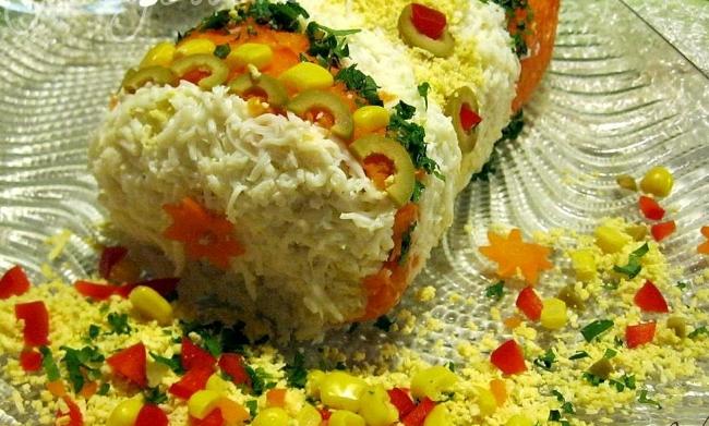 украшаем новогодний салат