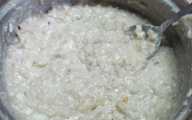 варим кашу и делаем тесто для овсяных сырников