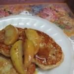 Вкусные овсяные сырники со сладкими яблоками